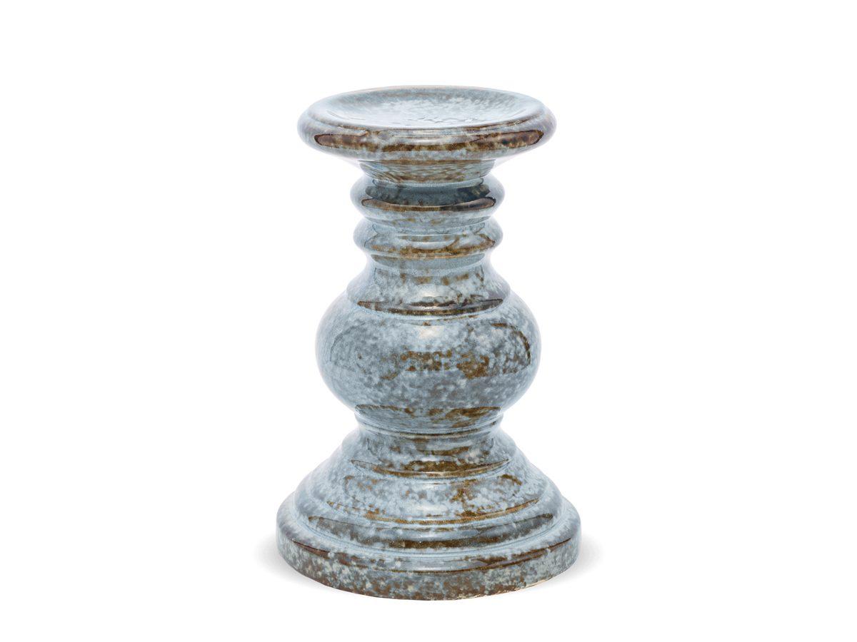 Świecznik ceramiczny mały w kolorze turkusowym. W naszej ofercie dostępne są też ozdoby na stół, dekoracje na ścianę, figurki na parapet, świeczniki oraz wazony.