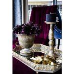Złota taca z lustrem. W naszej ofercie dostępne są też ozdoby na stół, dekoracje na ścianę, figurki na parapet, świeczniki oraz wazony.