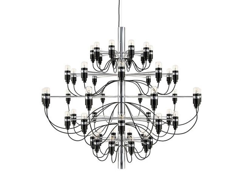 Lampa sufitowa Vicky do salonu i restauracji w stylu glamour. Żyrandol wykonany ze stali węglowej oraz niklu, dostępny w wielu wariantach.