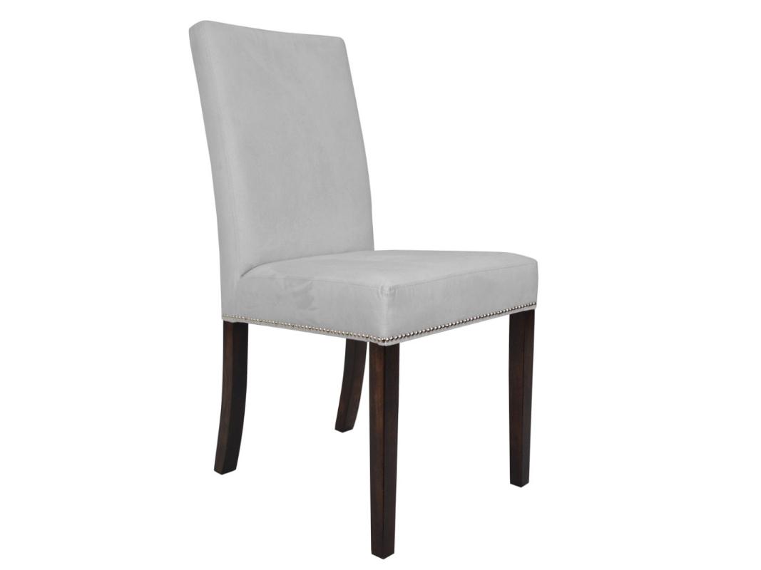 Krzesło tapicerowane aksamitem Mia pasuje do salonu i jadalni w stylu nowojorskim. Krzesła drewniane z możliwością wyboru koloru nóg i tkaniny.