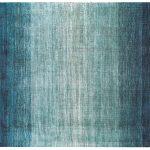 Dywan z wiskozy ręcznie tkany Ivette Ombre Niagara. Wysokiej jakości włókna wiskozy subtelnie połyskują dzięki czemu dywan wygląda ekskluzywnie.