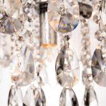 Żyrandol kryształowy Orion 1 do salonu lub jadalni w stylu glamour.