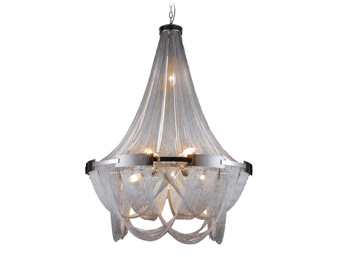 Lampa wisząca z łańcuszkami w stylu glamour Persei 1 idealnie sprawdzi się jako główne oświetlenie sufitowe do salonu lub jadalni.