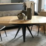 Stół okrągły rozkładany Vincente 120-220 cm. Stół drewniany pasuje do jadalni w stylu nowoczesnym i loft. Stoły drewniane do jadalni Białystok.
