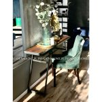 Krzesło butelkowa zieleń River. Nowoczesne krzesła tapicerowane do jadalni są dostępne na zamówienie w showroomie Pasadena home & deco.