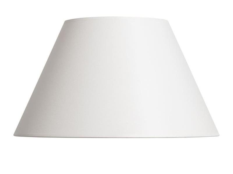 Biały abażur z tkaniny do lampy stołowej.