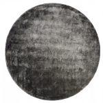 Dywan z wiskozy ręcznie tkany Aracelis Steel Gray okrągły. Włókna wiskozy subtelnie połyskują i dywan wygląda bardzo ekskluzywnie.