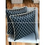 Poduszka dekoracyjna wzór geometryczny. Poduszka z wypełnieniem z kulki silikonowej. Ozdobne poduszki do salonu na zamówienie.
