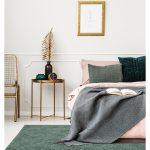 Dywan łatwoczyszczący Bali Dusty Green z kolekcji Magic Home Fargotex.Dywan do salonu i sypialni w stylu nowoczesnym i glamour.