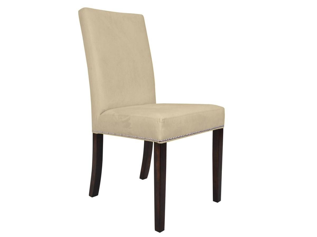Krzesło tapicerowane aksamitem Mia pasuje do salonu i jadalni w stylu modern classic. Krzesła drewniane na zamówienie.