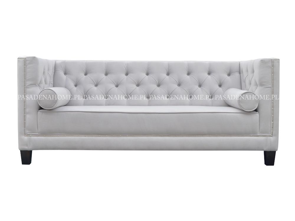 Sofa 2 osobowa Kris pikowana w stylu chesterfield. Sofa welurowa na drewnianych nogach. Możliwość wyboru tkaniny i dodatków.