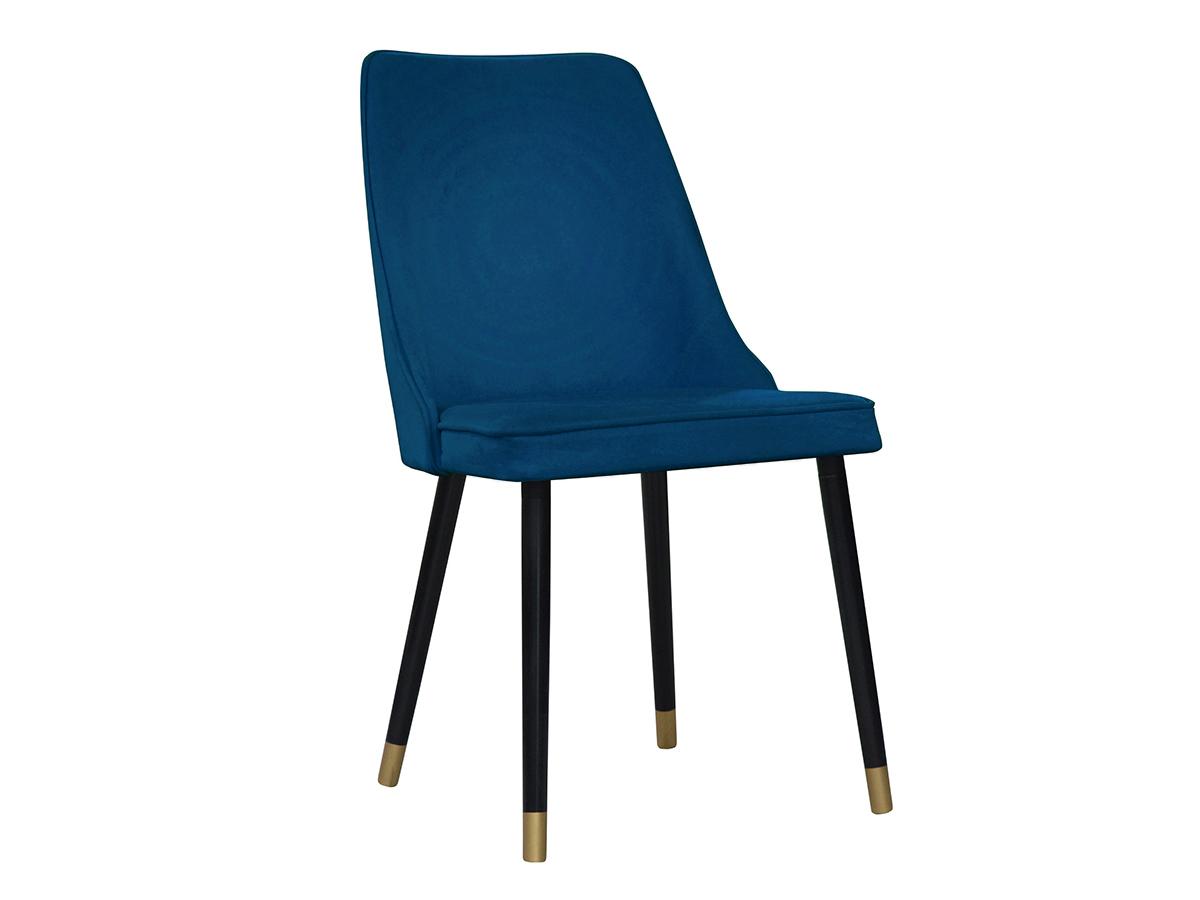 Nowoczesne krzesło tapicerowane Jay na drewnianych nogach. Nowoczesne krzesła do jadalni są dostępne na zamówienie w showroomie Pasadena home & deco.