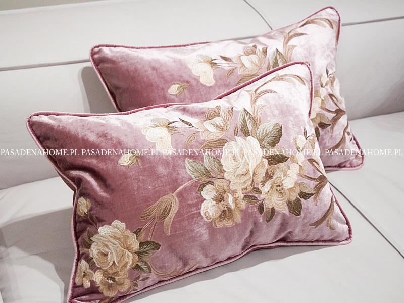 Poduszka dekoracyjna haftowane kwiaty. Poszewka z wypełnieniem z kulki silikonowej. Ozdobne poduszki na zamówienie.