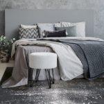 Dywan łatwoczyszczący Galaxy Steel Gray z kolekcji Magic Home Fargotex.Dywan do salonu i sypialni w stylu nowoczesnym i glamour.