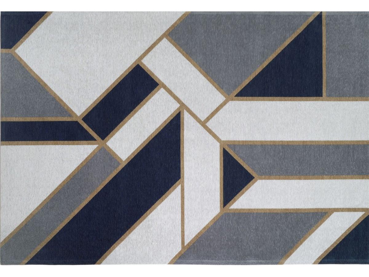 Dywan łatwoczyszczący Gatsby Dark Blue z kolekcji Art Deco Fargotex. Dywan do salonu i sypialni w stylu nowoczesnym i modern classic.