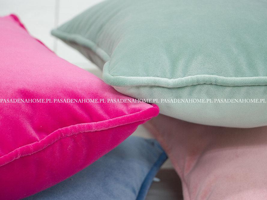 Poduszka dekoracyjna welurowa. Poduszka z wypełnieniem z kulki silikonowej. Ozdobne poduszki do salonu na zamówienie.