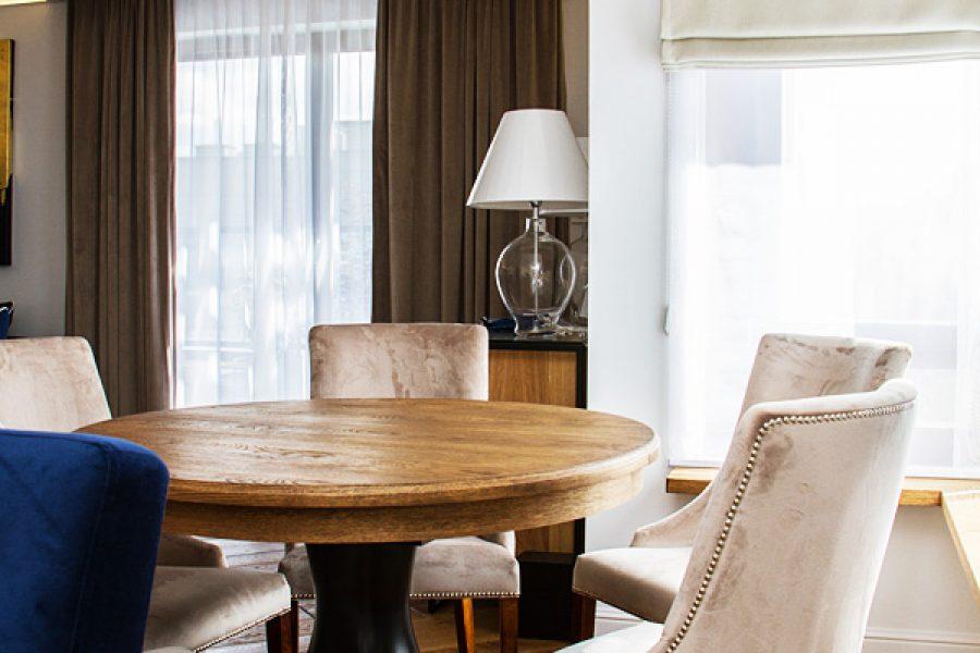 Krzesło tapicerowane styl nowojorski Lady apartament Warszawa.