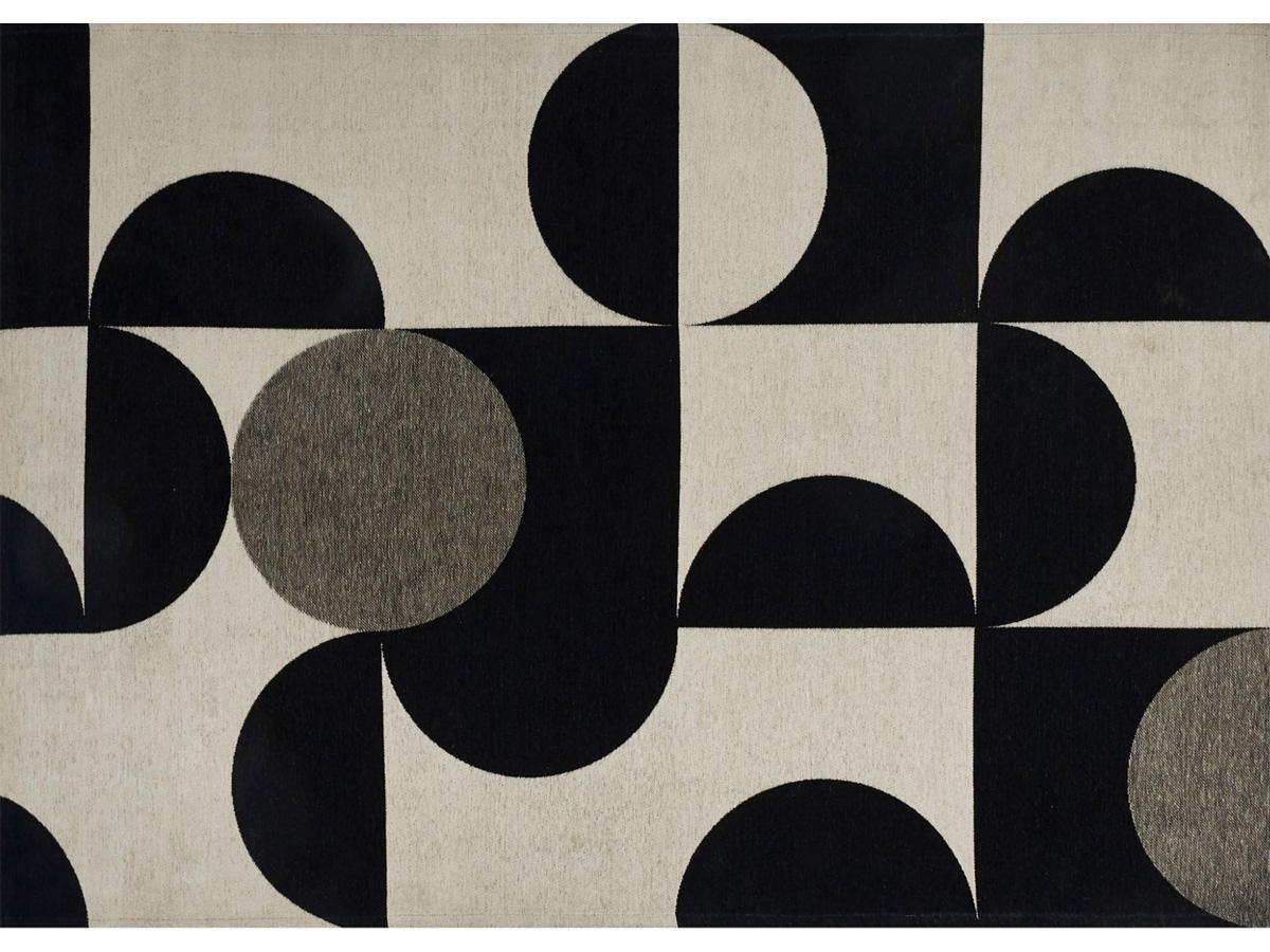 Dywan łatwoczyszczący Mono White z kolekcji Art Deco Fargotex. Dywan do salonu i sypialni w stylu nowoczesnym i modern classic.