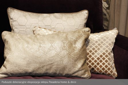 Usługa szycia poduszek dekoracyjnych na wymiar ekspozycja sklepu Pasadena home & deco 3