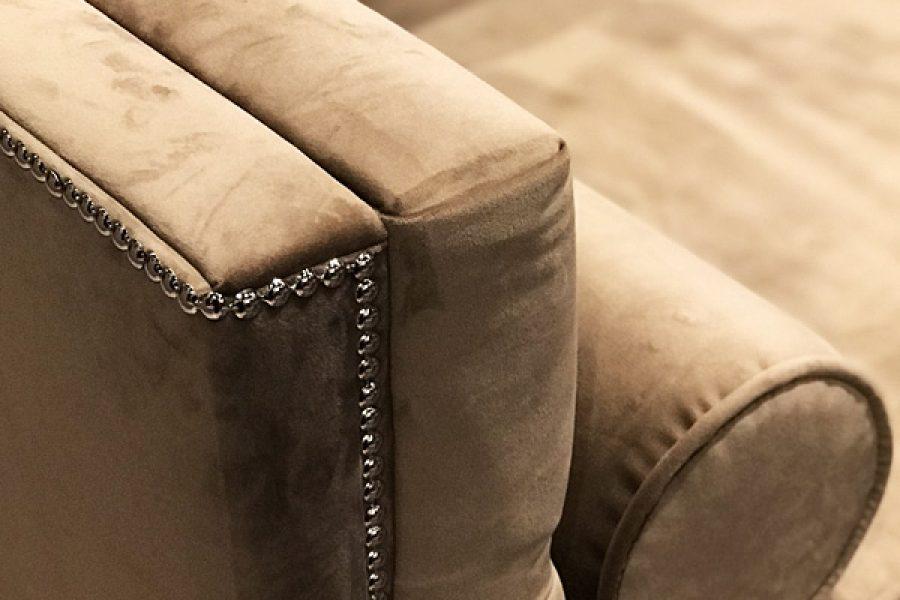 Sofa tapicerowana Kris w stylu nowojorskim