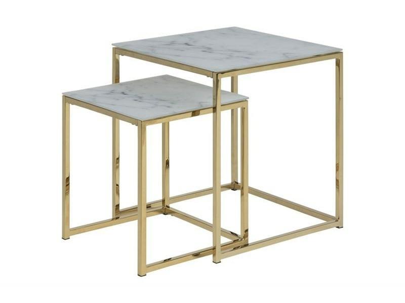 Stoliki kawowe Amelia wykonane z połączenia szkła oraz metalu.Elegancki zestaw stolików do salonu w stylu nowojorskim oraz nowoczesnym.
