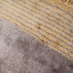 Dywan z wiskozy ręcznie tkany Horizon Slate. Ekskluzywna kolekcja, stworzona z naturalnych materiałów takich jak wiskoza, wełna i bawełna.