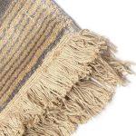 Dywan z wiskozy ręcznie tkany z frędzlami Horizon Slate. Ekskluzywna kolekcja, stworzona z naturalnych materiałów takich jak wiskoza, wełna i bawełna.
