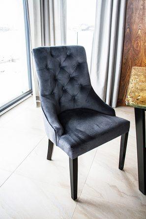 Krzesło tapicerowane Lady Chesterfield w stylu nowojorskim
