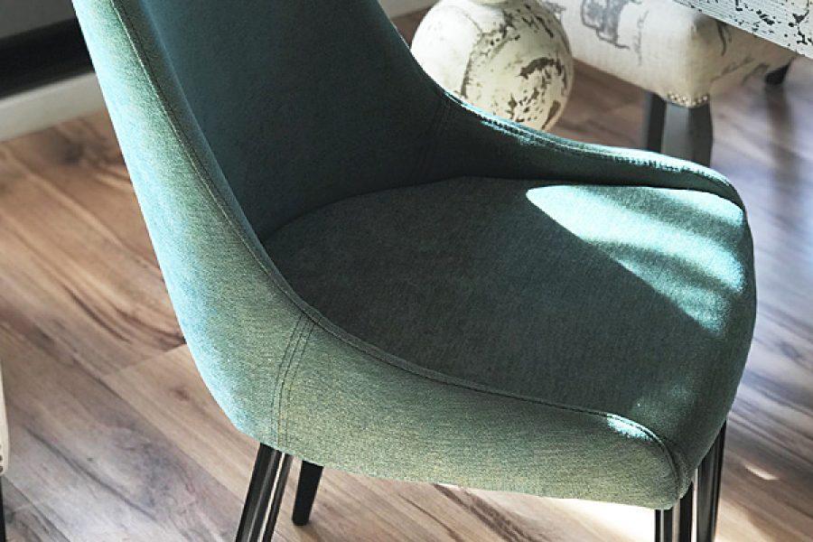 Krzesło tapicerowane nowoczesne Massimo mieszkanie Białystok w tkaninie obiciowej Cameleon kolor turkusowy