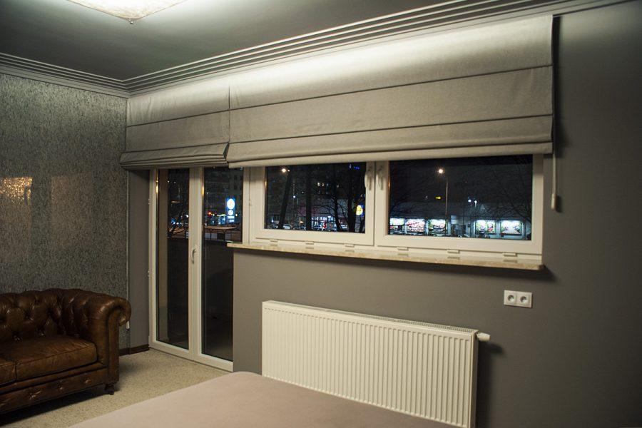 Rolety rzymskie drzwi balkonowe i okno apartament Białystok.