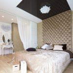 Ściana tapicerowana w sypialni dom Białystok