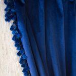 Zasłony welurowe z tkaniny Queen Velvet 40 i pasmanterią w mini chwosty