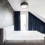 Zasłony na skosie w sypialni system flex – Jimmy 24